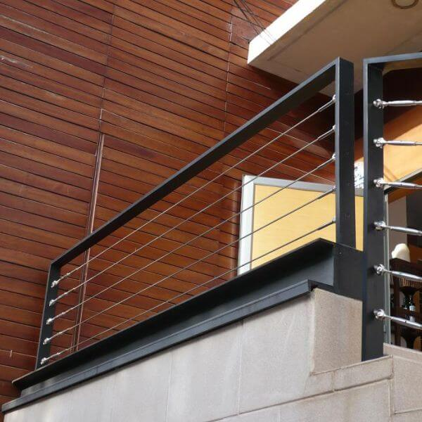 garde corps aluminium acier cables inox balustrade. Black Bedroom Furniture Sets. Home Design Ideas